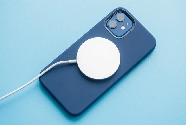 iPhone 12 Pro sạc mất bao lâu thì đầy pin?