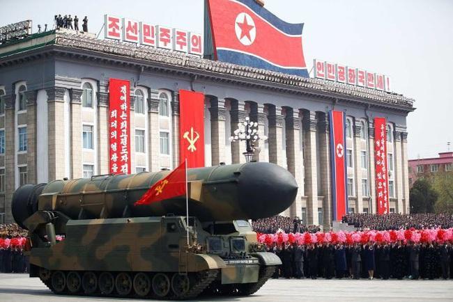 Triều Tiên hiện có trong tay bao nhiêu đầu đạn hạt nhân? - Ảnh 1.