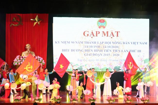 Sơn La kỷ niệm 90 năm ngày thành lập Hội Nông dân Việt Nam - Ảnh 1.