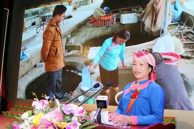 Nữ nông dân thu hàng tỷ đồng nhờ nuôi cá tiến vua - Ảnh 2.