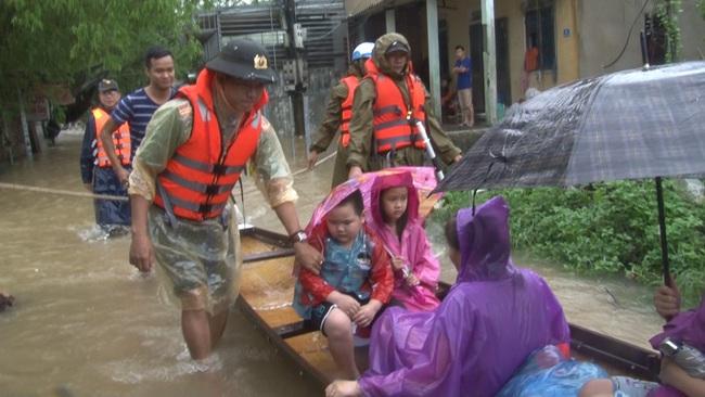TT-Huế: 2 hồ thượng nguồn sông Hương tăng xả lũ, cảnh báo dân vùng thấp trũng sơ tán  - Ảnh 2.