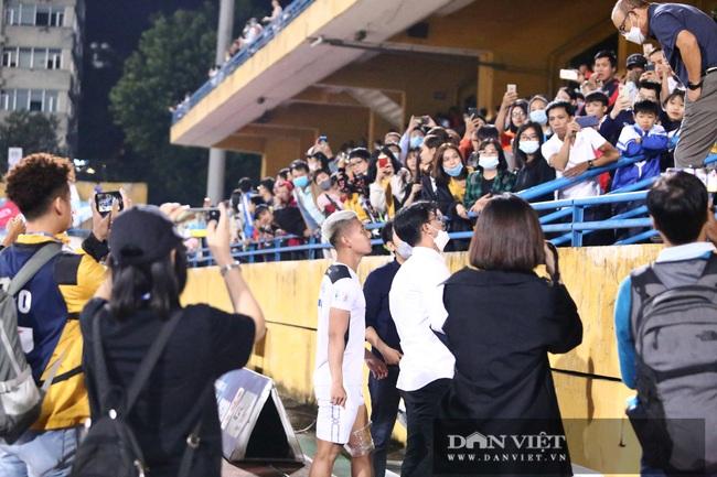 Thầy Park hỏi thăm tình hình chấn thương của Văn Thanh - Ảnh 5.
