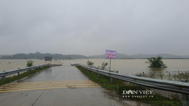 Hà Tĩnh: Do mưa lũ, đường Phúc Trạch – Hương Liên sạt lở nghiêm trọng - Ảnh 6.