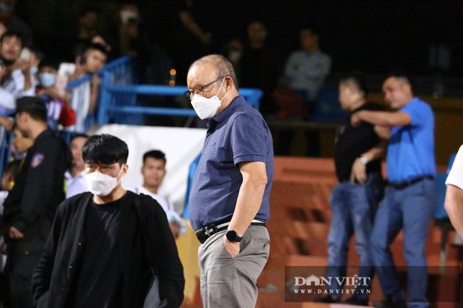 Thầy Park hỏi thăm tình hình chấn thương của Văn Thanh - Ảnh 7.