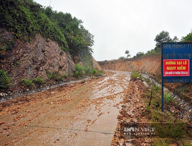 Hà Tĩnh: Do mưa lũ, đường Phúc Trạch – Hương Liên sạt lở nghiêm trọng - Ảnh 4.