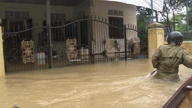 TT-Huế: 2 hồ thượng nguồn sông Hương tăng xả lũ, cảnh báo dân vùng thấp trũng sơ tán  - Ảnh 1.