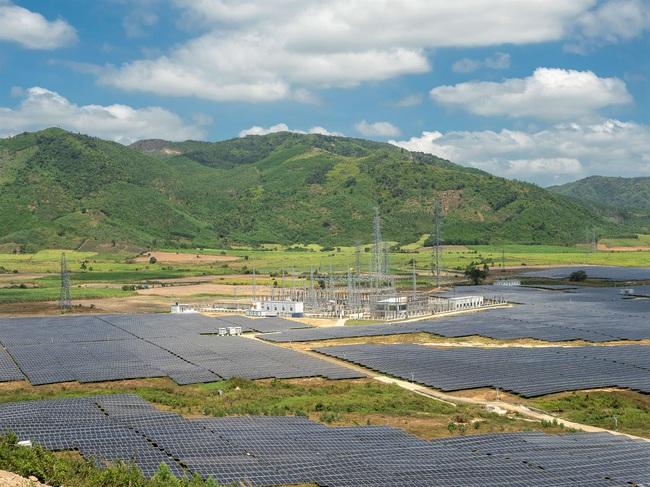 Việt Nam sắp có nhà máy điện mặt trời lớn nhất Đông Nam Á - Ảnh 1.