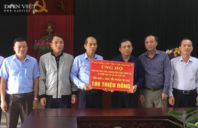 Gần 200 triệu đồng được Hội ND tỉnh Thái Nguyên ủng hộ người dân ngập lụt tỉnh Nghệ An  - Ảnh 1.