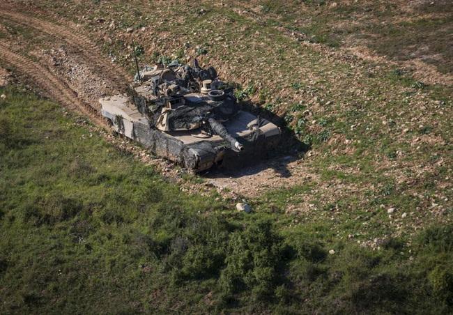 Ngỡ ngàng xe tăng Nga, Mỹ cùng xuất hiện trên một chiến trường - Ảnh 2.