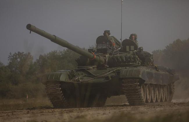 Ngỡ ngàng xe tăng Nga, Mỹ cùng xuất hiện trên một chiến trường - Ảnh 5.
