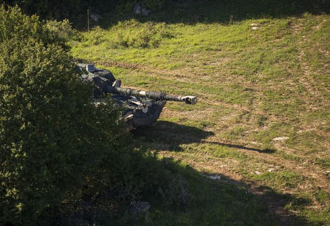 Ngỡ ngàng xe tăng Nga, Mỹ cùng xuất hiện trên một chiến trường - Ảnh 9.