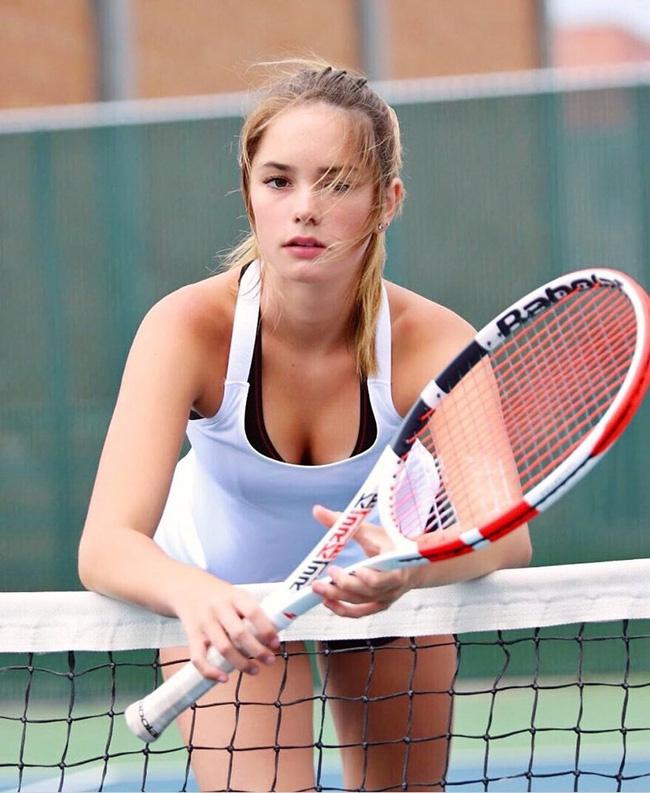 """Nhan sắc đẹp tựa thiên thần của """"Maria Sharapova Mỹ"""" - Ảnh 4."""