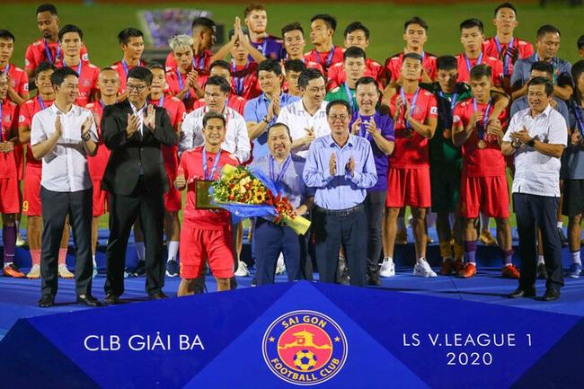 """16 cầu thủ chia tay Sài Gòn FC: """"Đội đứng thứ ba, mà như xuống hạng"""" - Ảnh 2."""