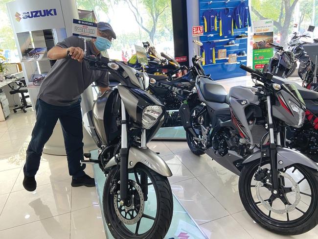 Thị trường xe máy thứ tư thế giới lao dốc - Ảnh 1.