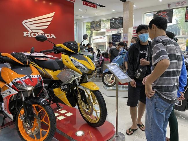 Thị trường xe máy thứ tư thế giới lao dốc - Ảnh 2.