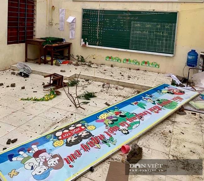 Hậu quả bão số 13 ở Quảng Bình: 8 người bị thương nặng, trường học, trạm y tế tốc mái  - Ảnh 2.