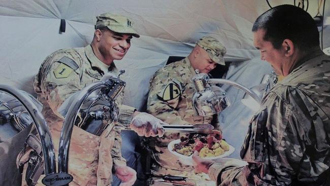 Binh lính chủ lực các nước Nga, Mỹ, Trung, Hàn... được ăn uống thế nào? - Ảnh 3.