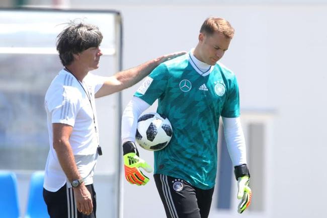 Neuer không hài lòng với phong độ hiện tại của Đức.