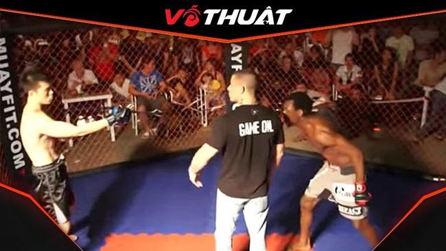 """Clip: """"Làm màu"""", cao thủ Vịnh Xuân bị võ sĩ MMA 1 đón đánh gục - Ảnh 1."""