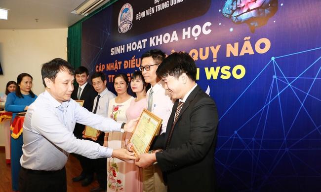 Bệnh viện T.Ư Huế nhận giải thưởng danh giá về cấp cứu, điều trị đột quỵ  - Ảnh 4.