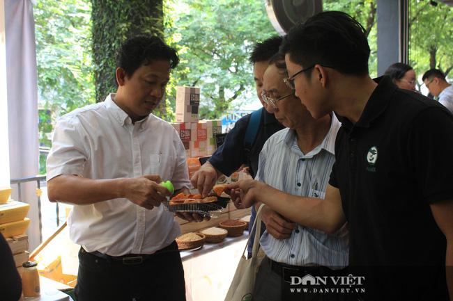 Phiên chợ organic tại Sài Gòn: Mang heo rừng hữu cơ đến xẻ thịt bán tại chỗ cho người tiêu dùng - Ảnh 8.