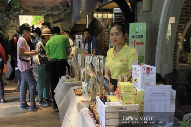 Phiên chợ organic tại Sài Gòn: Mang heo rừng hữu cơ đến xẻ thịt bán tại chỗ cho người tiêu dùng - Ảnh 10.