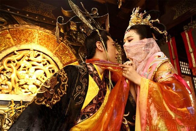 """Hoàng đế Trung Quốc mê """"cướp"""" vợ quan lại, vội vã nhường ngôi để hoan lạc - Ảnh 4."""