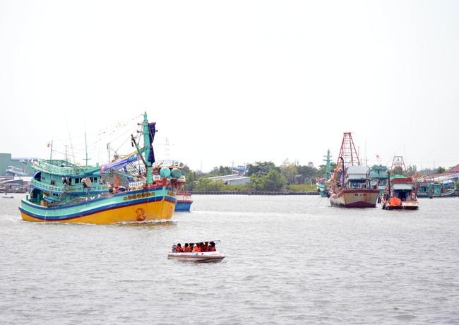 Không duy trì hoạt động thiết bị giám sát hành trình, chủ tàu cá bị phạt 400 triệu đồng  - Ảnh 1.