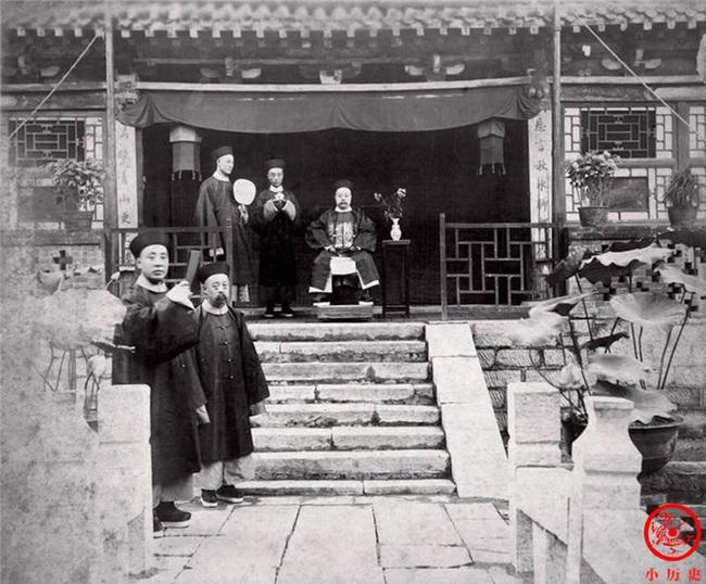 Loạt ảnh khắc họa tướng mạo thật của các vị quan văn võ cuối triều nhà Thanh - Ảnh 1.