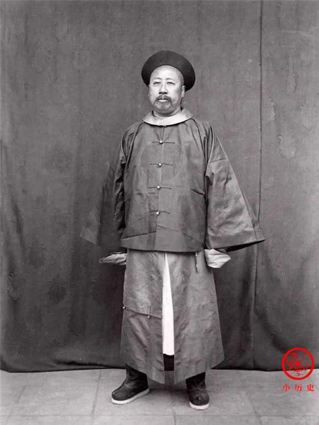 Loạt ảnh khắc họa tướng mạo thật của các vị quan văn võ cuối triều nhà Thanh - Ảnh 7.