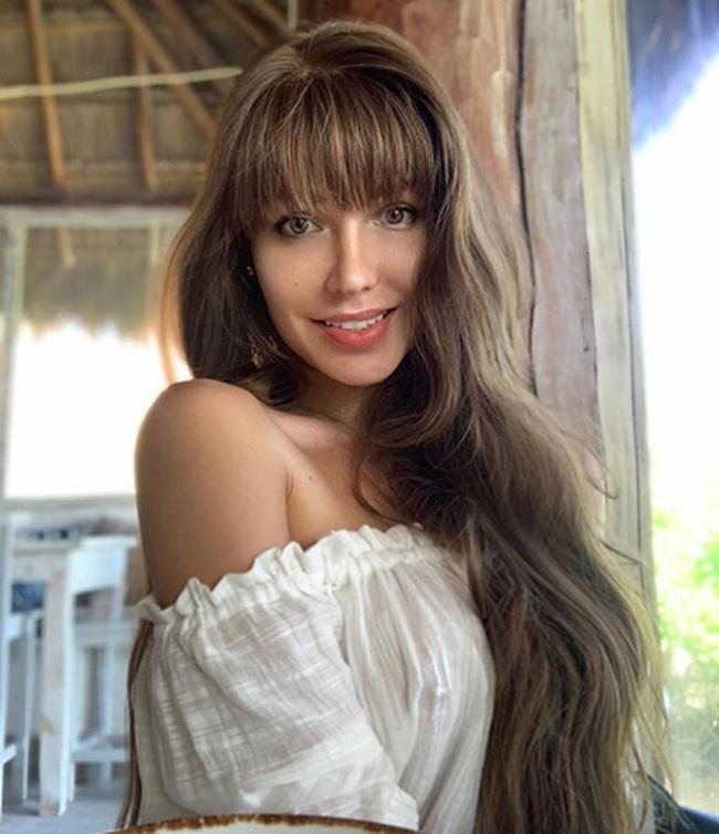 """Siêu mẫu Playboy ủng hộ đội trưởng ĐT Nga """"tự sướng"""" - Ảnh 7."""