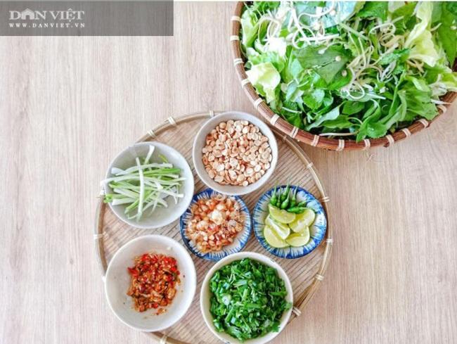 Tuyệt chiêu nấu mì Quảng gà thơm ngon đúng điệu, mẹ nấu con mê - Ảnh 2.