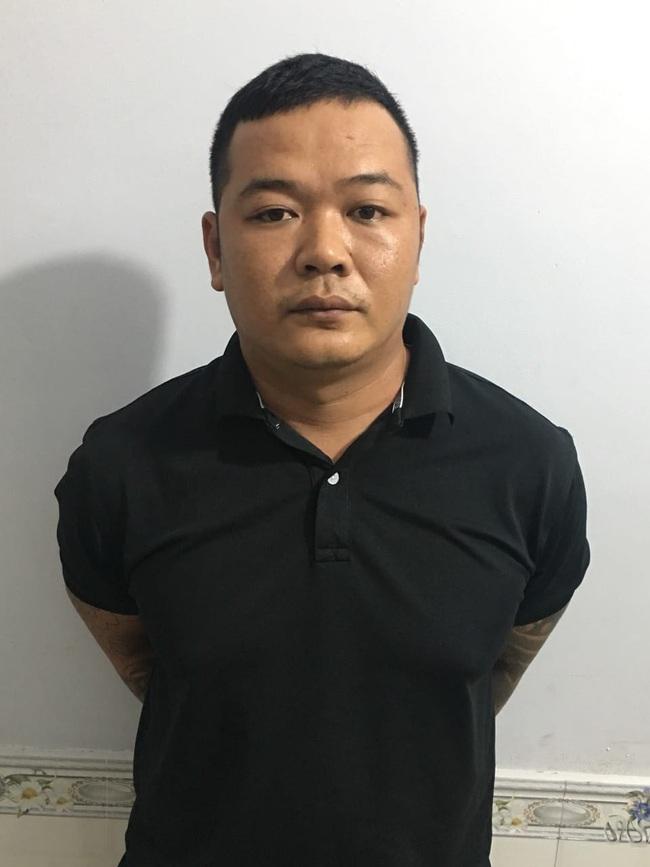 Bắt bị can cầm đầu nhóm chém thanh niên lìa cánh tay ở TPHCM ở Phú Quốc - Ảnh 1.