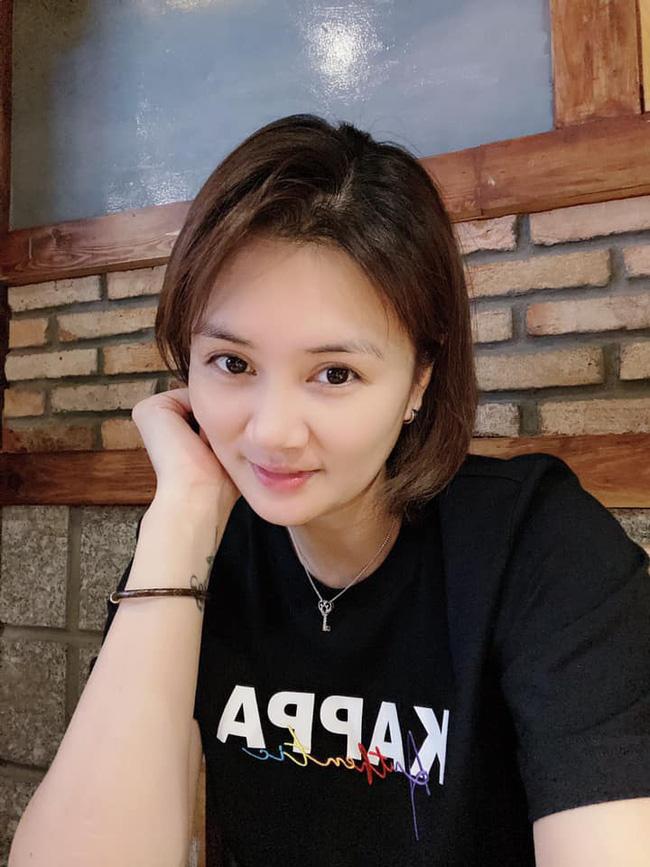 """Hoa khôi bóng chuyền Kim Huệ """"thả thính"""" cực mạnh, fan xôn xao - Ảnh 1."""