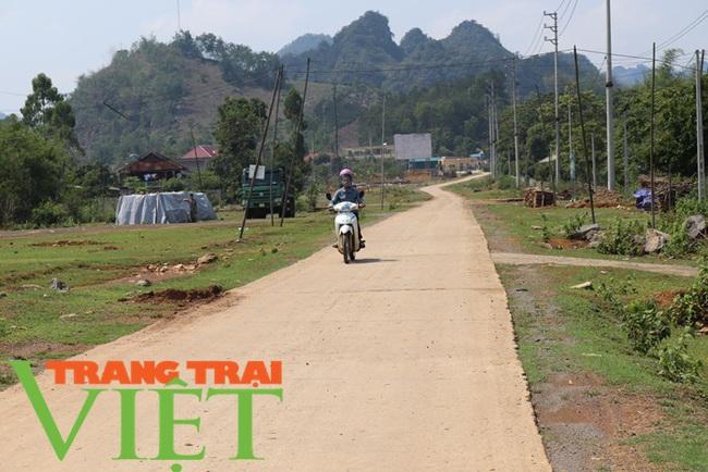 Chiềng Ngần gìn giữ và phát huy các tiêu chí nông thôn mới - Ảnh 1.