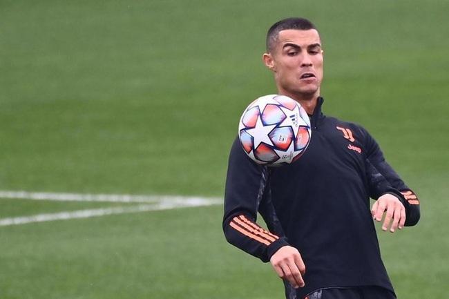 """Cựu sao Juve: """"Ronaldo là kẻ dốt nát, không tôn trọng đồng đội"""" - Ảnh 2."""