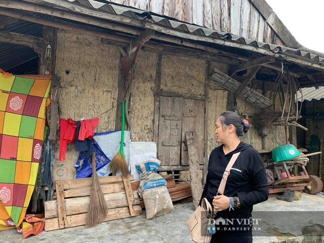 Báo NTNN tặng quà cho người dân vùng lũ Hà Tĩnh: Thăm những hộ đặc biệt khó khăn - Ảnh 10.