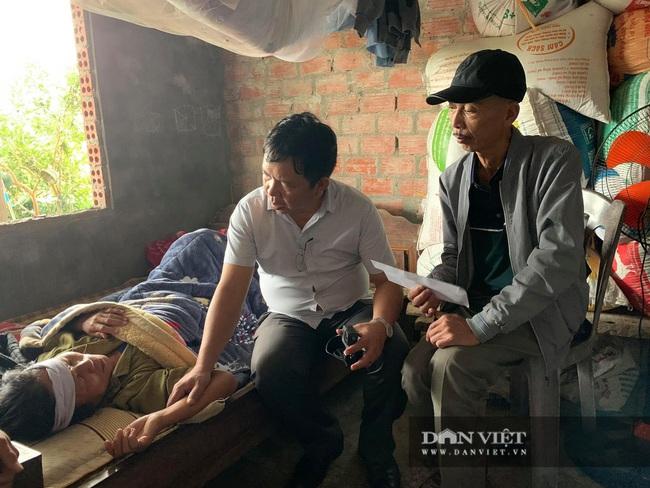 Báo NTNN tặng quà cho người dân vùng lũ Hà Tĩnh: Thăm những hộ đặc biệt khó khăn - Ảnh 8.