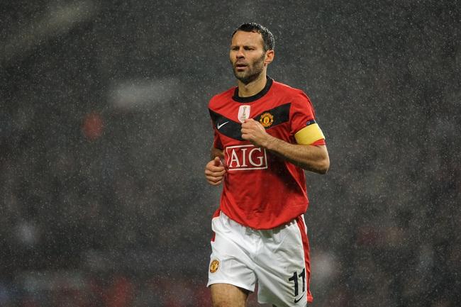 5 cầu thủ trung thành nhất của bóng đá thế giới: Có Giggs, Maldini, Totti - Ảnh 1.