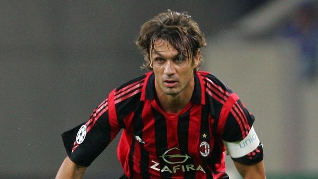 5 cầu thủ trung thành nhất của bóng đá thế giới: Có Giggs, Maldini, Totti - Ảnh 2.