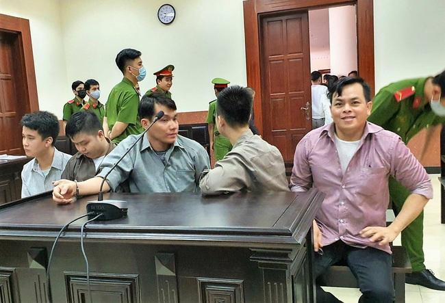Xử phức thẩm, Phúc XO được giảm án 2 năm tù - Ảnh 2.