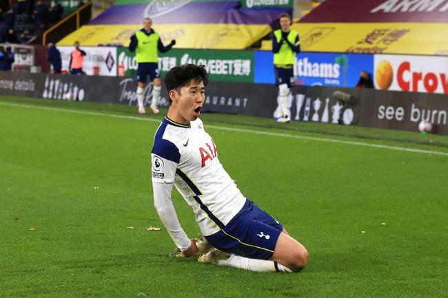 Tin sáng (7/11): Hà Nội FC nhận tin vui về Đình Trọng, Duy Mạnh - Ảnh 3.