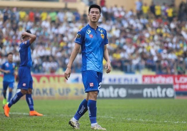 """Huy Hùng và 9 ngôi sao rời bỏ """"con tàu đắm"""" Quảng Nam FC - Ảnh 1."""