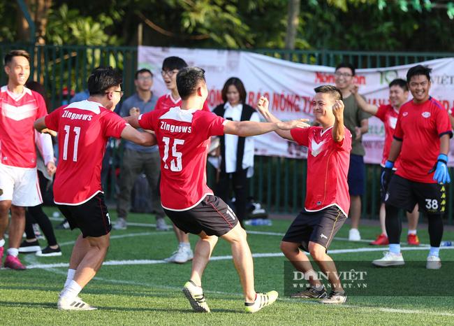 Hình ảnh bế mạc Giải bóng đá NTNN/Dân Việt lần thứ 12 - tranh Cúp Mùa Thu 2020 - Ảnh 12.