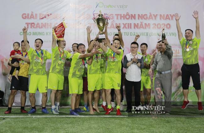 Hình ảnh bế mạc Giải bóng đá NTNN/Dân Việt lần thứ 12 - tranh Cúp Mùa Thu 2020 - Ảnh 4.
