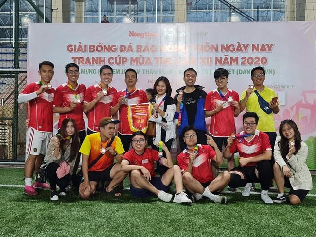 """Tạp chí điện tử Zingnews: """"Ngựa ô"""" đích thực tại giải bóng đá báo NTNN/Dân Việt - Ảnh 1."""