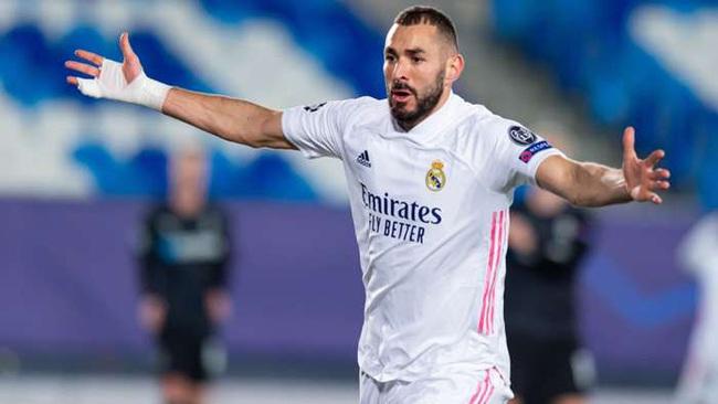 Benzema tỏa sáng đúng lúc Real cần anh nhất.