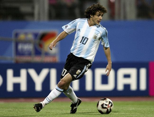 """5 cầu thủ khốn khổ vì được coi là """"truyền nhân của Maradona"""": Có cả Messi - Ảnh 3."""