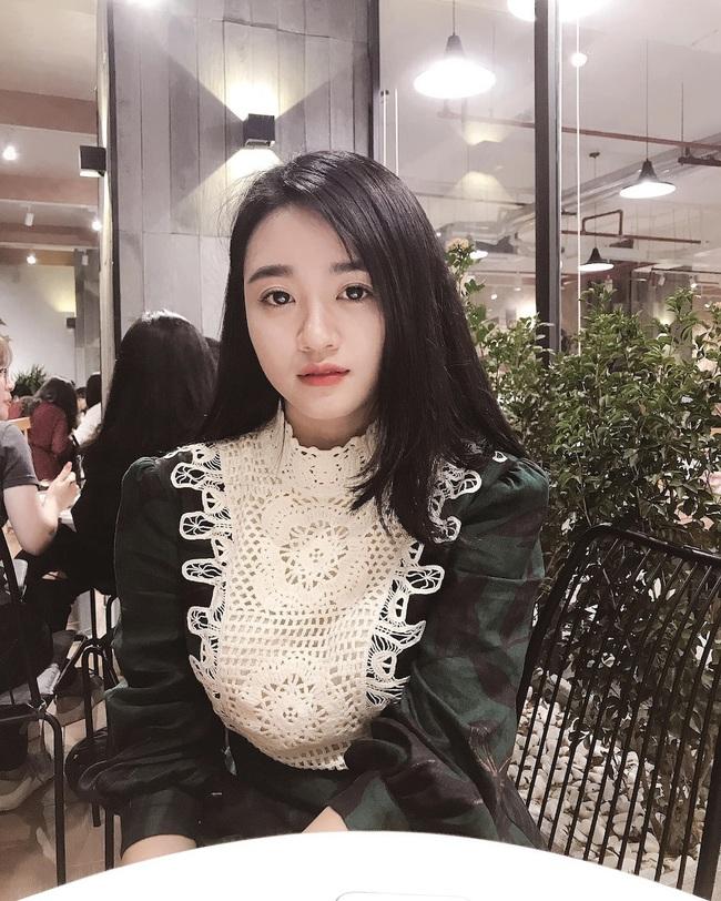 """Vợ tương lai của cầu thủ """"nghèo"""" nhất ĐT Việt Nam: Xinh hết phần người khác - Ảnh 5."""