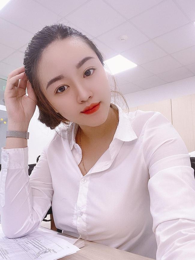 """Vợ tương lai của cầu thủ """"nghèo"""" nhất ĐT Việt Nam: Xinh hết phần người khác - Ảnh 10."""